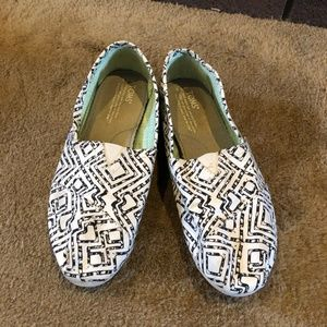 Toms Black & White Patterned Classic Alpargatas